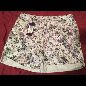 High rise cuffed floral shorts